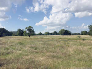 Featured Property in Preston, OK 74456