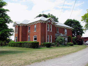 Featured Property in Fonthill, ON L0S 1M0