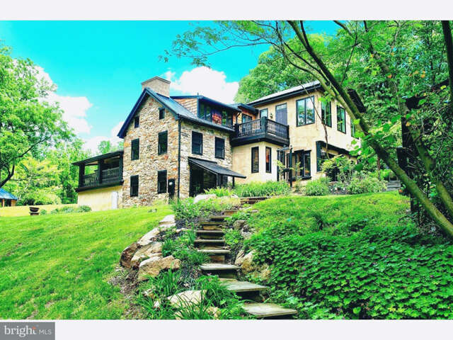Single Family for Sale at 3590 Lenape Way Riegelsville, Pennsylvania 18077 United States