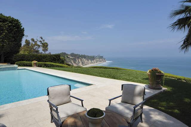 Single Family for Sale at 29208 Cliffside Dr. Malibu, California 90265 United States