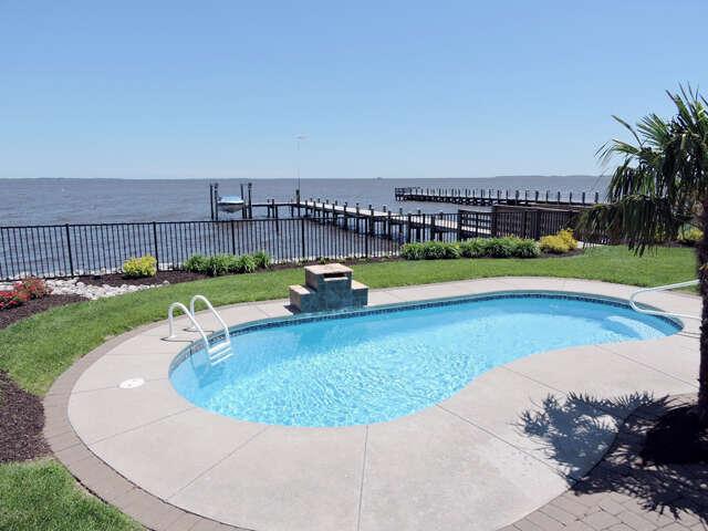 Single Family for Sale at 156 Mariners Way Moyock, North Carolina 27958 United States