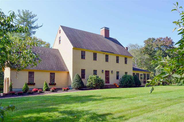 Single Family for Sale at 32 Doe Run Lane Stratham, New Hampshire 03885 United States