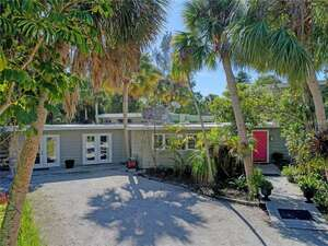 Featured Property in Sarasota, FL 34242