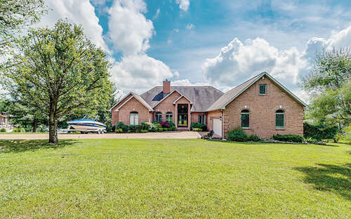 Single Family for Sale at 13 Flamingo Drive Crossville, Tennessee 38555 United States