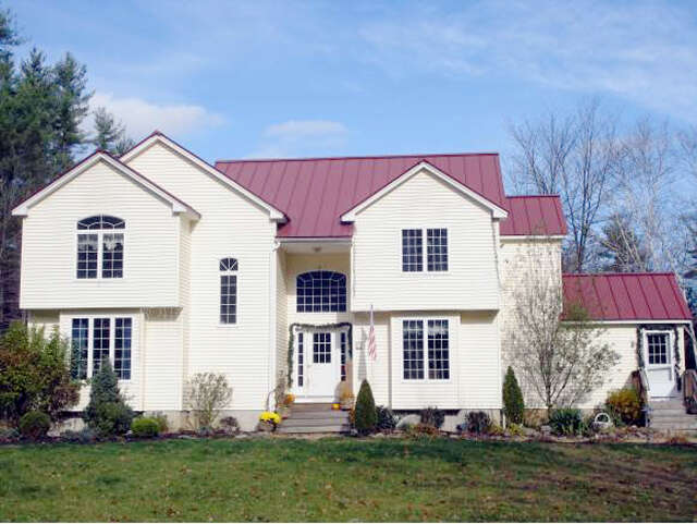 Featured Property in SANDOWN, NH, 03873