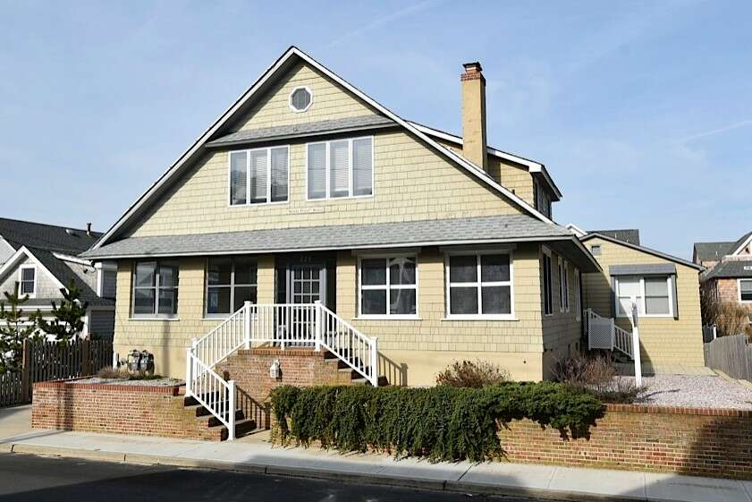 Single Family for Sale at 228 East Avenue Bay Head, New Jersey 08742 United States