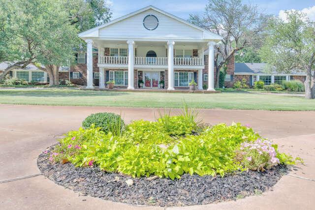 Single Family for Sale at 9401 Overholser Drive Yukon, Oklahoma 73099 United States