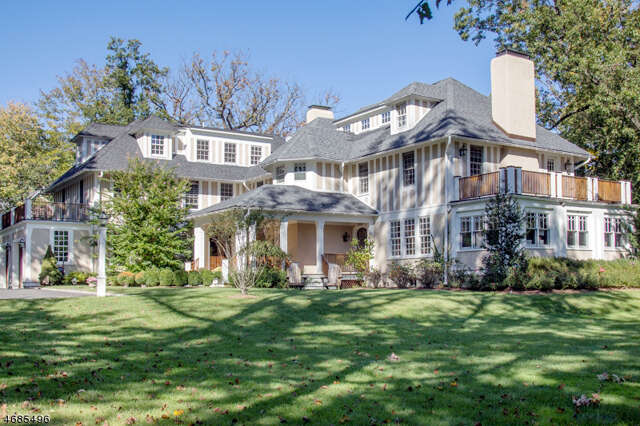Single Family for Sale at 36 Hemlock Rd Millburn, New Jersey 07041 United States