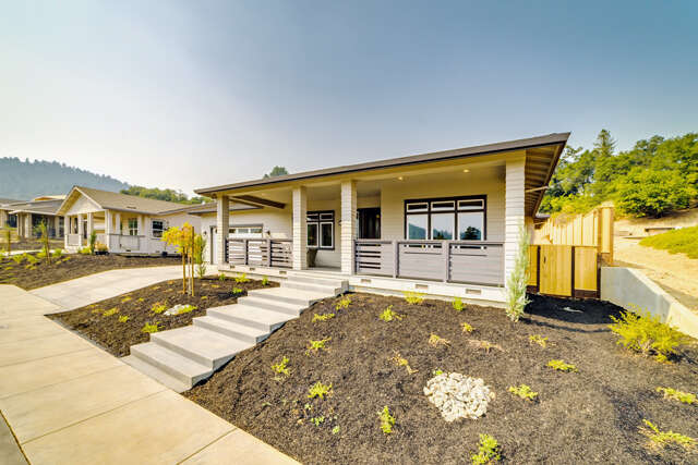 Single Family for Sale at 306 Cherry Creek Court Cloverdale, California 95425 United States