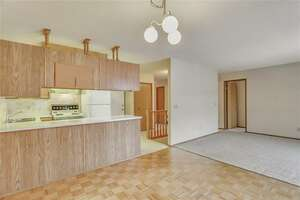 Featured Property in Calgary, AB T3H 2T3