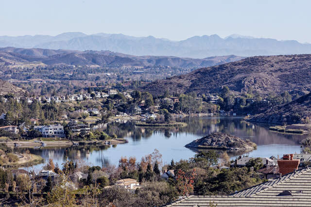 Single Family for Sale at 393 W. Stafford Road Thousand Oaks, California 91361 United States
