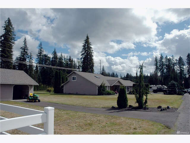 Single Family for Sale at 17824 100th St NE Granite Falls, Washington 98252 United States