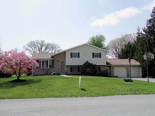 Real Estate for Sale, ListingId:44695842, location: 1452 Nittany Drive Chambersburg 17202