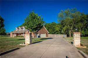 Featured Property in Noble, OK 73068