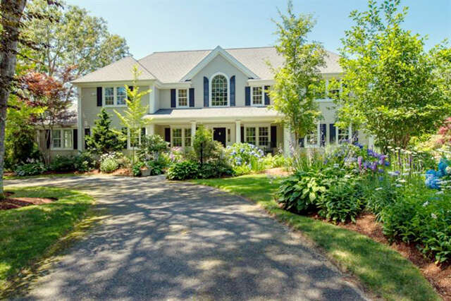 Single Family for Sale at 83 Bunker Hill Road Osterville, Massachusetts 02655 United States