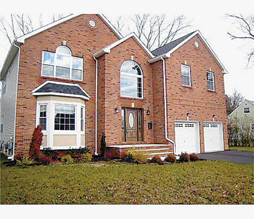 Single Family for Sale at 4 Terry Lane East Brunswick, New Jersey 08816 United States