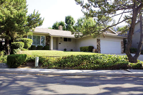 Single Family for Sale at 3621 Los Amigos Glendale, California 91214 United States