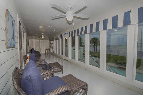 Single Family for Sale at 617 Bay Vista Drive Seabrook, Texas 77586 United States
