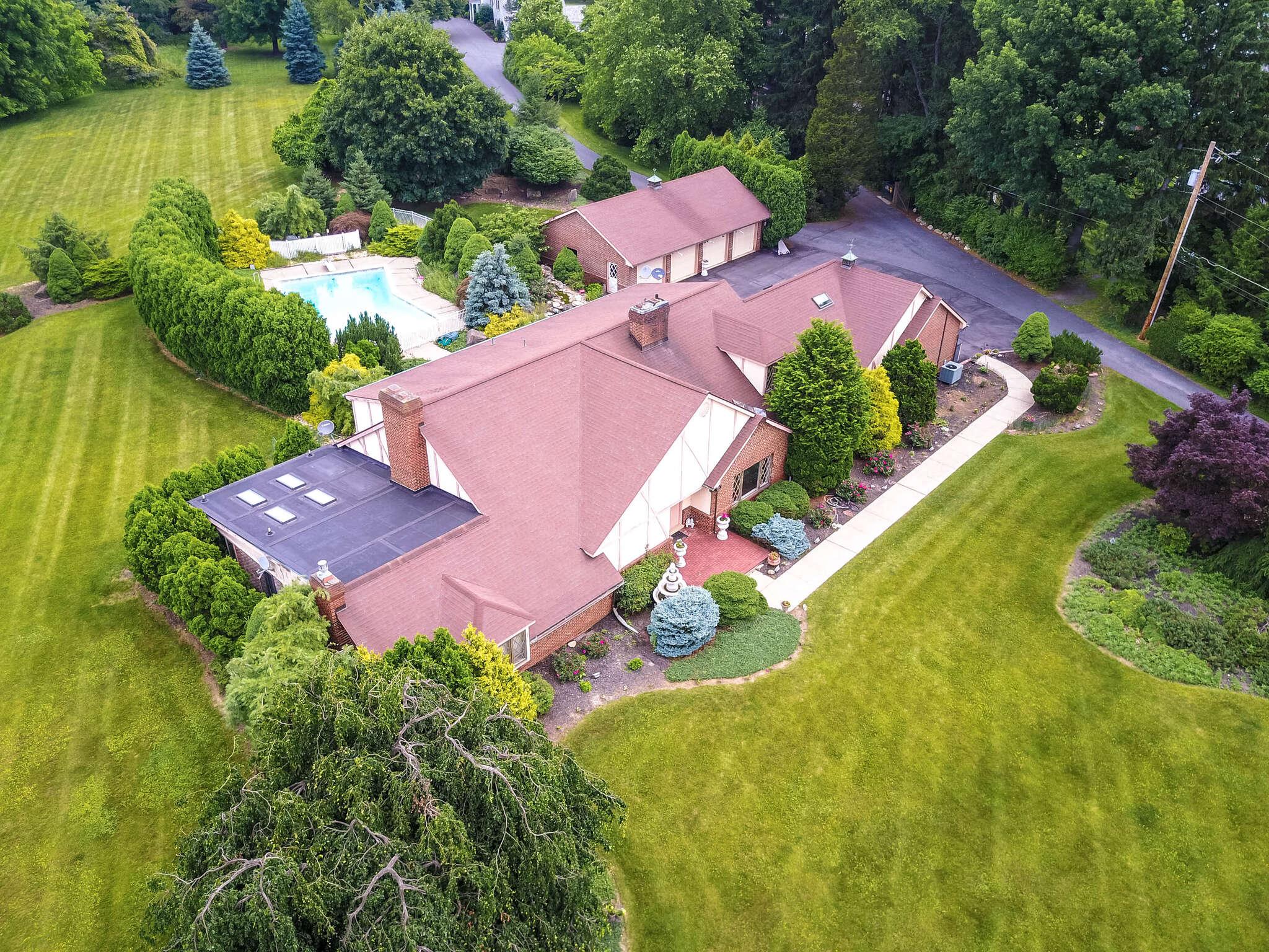 Single Family for Sale at 463 Apollo Drive Bethlehem, Pennsylvania 18017 United States
