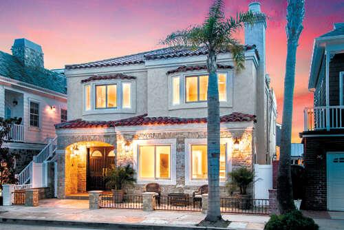 Single Family for Sale at 445 Seville Av, Newport Beach, California 92661 United States