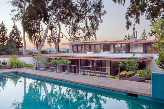 Single Family for Sale at 4143 Cachalote St Woodland Hills, California 91364 United States