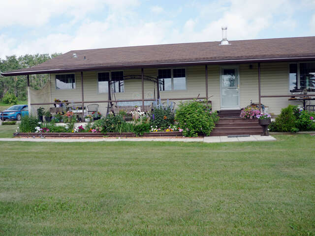 Featured Property in SPIRIT RIVER, AB