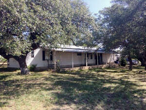 Featured Property in Briggs, TX 78608