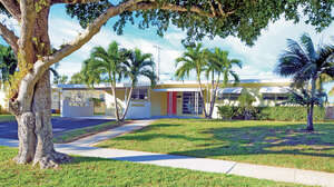 Featured Property in North Palm Beach, FL 33408