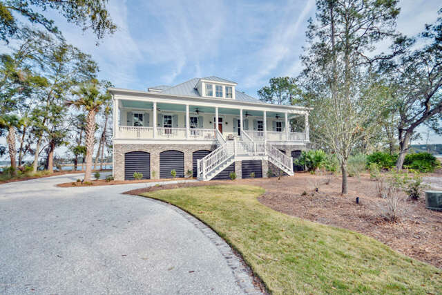 Single Family for Sale at 5 Anchorage Way Beaufort, South Carolina 29902 United States