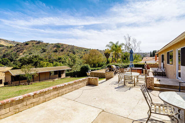 Single Family for Sale at 1340 Rambling Rd. Simi Valley, California 93065 United States