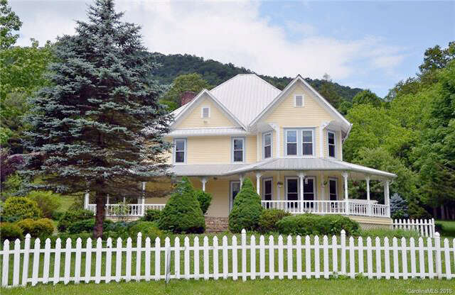 Single Family for Sale at 32 Hortons Creek Road Burnsville, North Carolina 28714 United States
