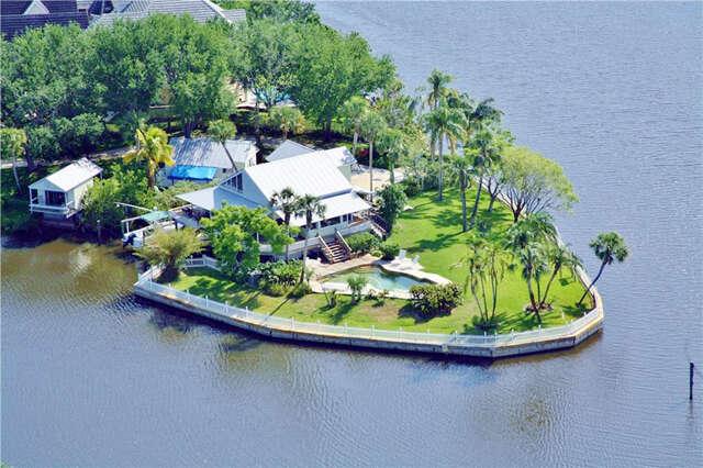 Single Family for Sale at 5558 SW Anhinga Avenue Palm City, Florida 34990 United States