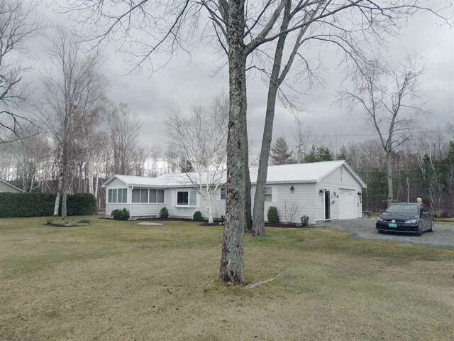 Single Family for Sale at 461 Pine Newport City, Vermont 05855 United States