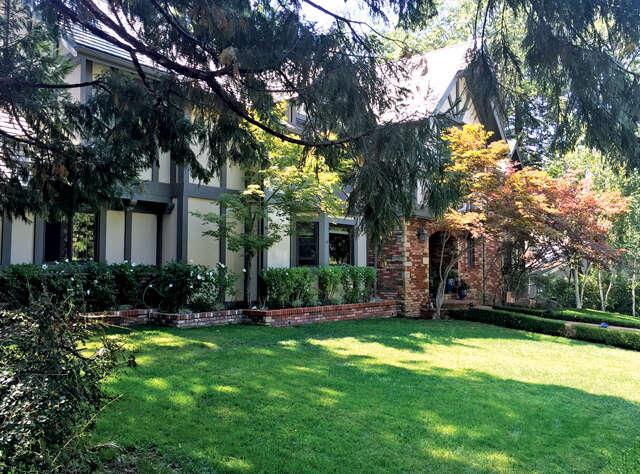 Single Family for Sale at 27818 S Peninsula Dr Lake Arrowhead, California 92352 United States