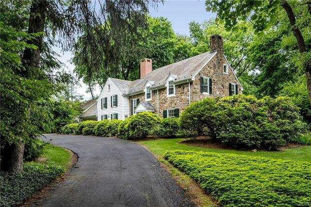 Single Family for Sale at 330 Pine Top Trail Bethlehem, Pennsylvania 18017 United States