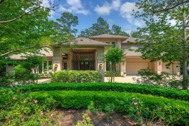 Home Listing at 3 S Knightsgate Circle, THE WOODLANDS, TX