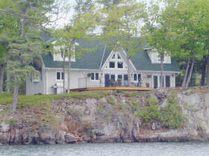 Featured Property in Leeds the Thousand Islands, ON K0E 1L0