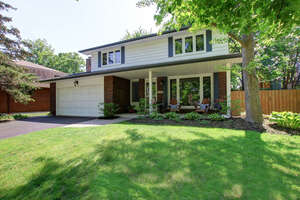Featured Property in Oakville, ON L6J 5K5