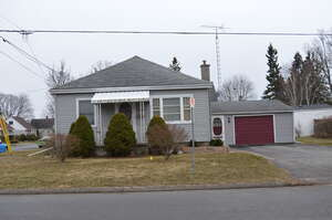 Featured Property in Cobourg, ON K9A 1E8