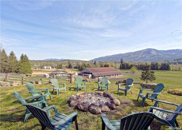Single Family for Sale at 16550 State Route 9 Mount Vernon, Washington 98274 United States