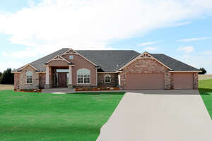 Featured Property in Tuttle, OK 73089