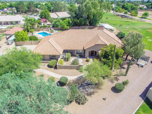 Single Family for Sale at 1912 E Bruce Avenue Gilbert, Arizona 85234 United States