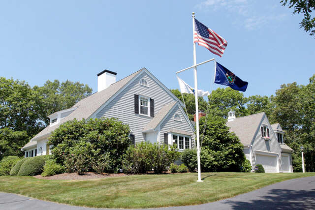 Single Family for Sale at 68 Waterford Drive Marstons Mills, Massachusetts 02648 United States