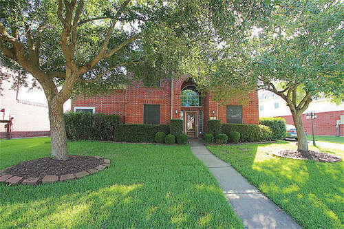 Featured Property in LEAGUE CITY, TX, 77573