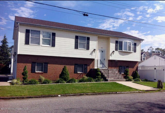 Featured Property in PT PLEASANT, NJ, 08742