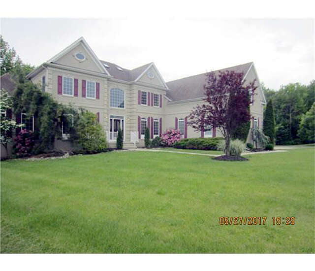 Single Family for Sale at 13 Stonegate Drive Monroe Township, New Jersey 08831 United States