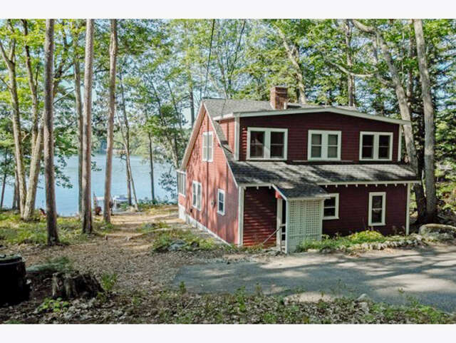 Single Family for Sale at 34 Gov. Wentworth Hwy. Tuftonboro, New Hampshire 03816 United States