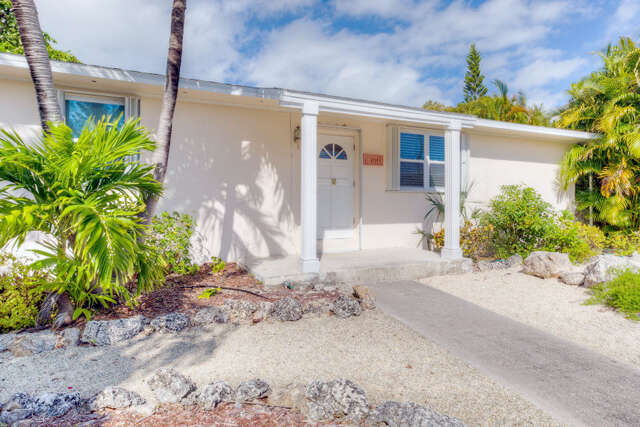 Single Family for Sale at 17143 Coral Drive Sugarloaf Key, Florida 33042 United States