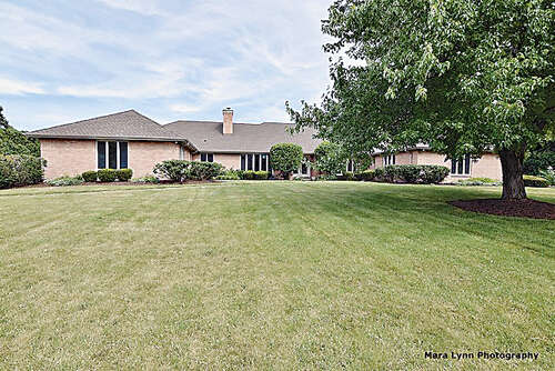 Single Family for Sale at 30 Highgate Course St. Charles, Illinois 60174 United States