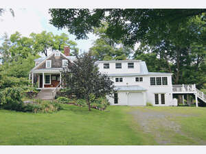 Featured Property in Peacham, VT 05862